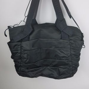 Lululemon Triumphant Tote travel Gym bag Black