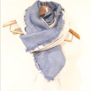 Bloomingdale's double sided blue blanket scarf