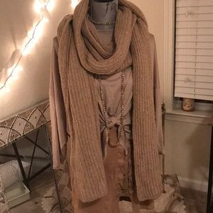 Giant chunky knit camel scarf