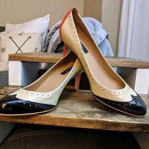 Ann Taylor - RARE Colorblock Wingtip Kitten Heels