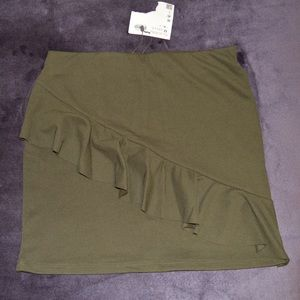 Green Zara skirt