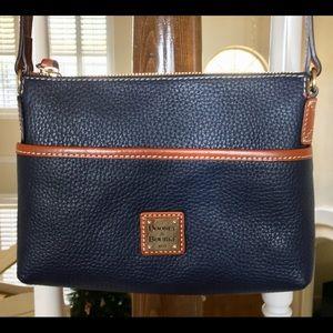Dooney & Bourke Navy Leather Crossbody 💙