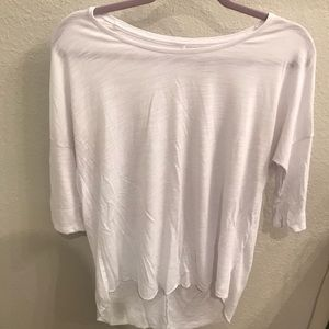 American Eagle White Jegging Tee