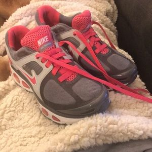 Nike Fitsole Sneakers in size 6 - great condition