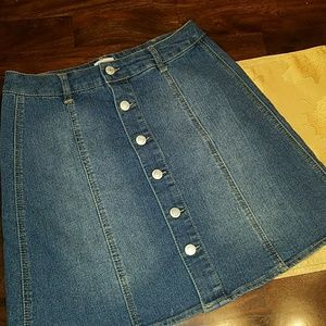 Trendy denim skirt