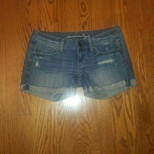 American Eagle distressed denim shorts 2