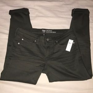 NWT Gap girlfriend coupe jeans 6/28r