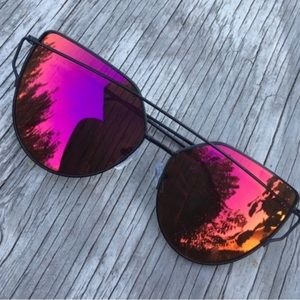 Accessories - Red Mirrored Sunglasses