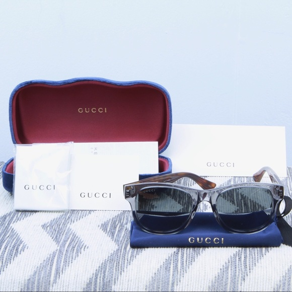 8cf9262c514 NWT 100% Authentic Gucci Sunglasses 52mm Wayfarer