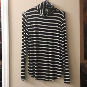 NWOT Old Navy Black and White Striped Turtlneck