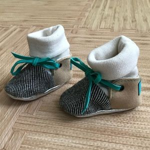 Adorable handmade infant wool booties from Etsy