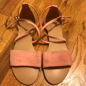 Forever 21 size 8.5 sandals like new!!