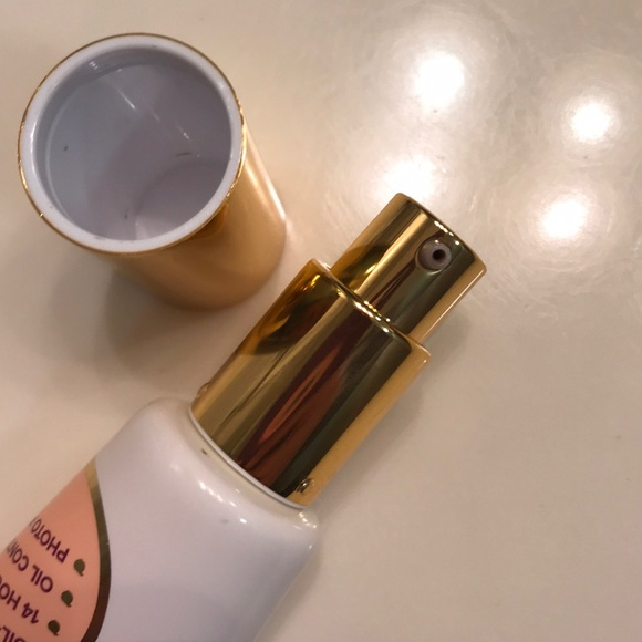 Too Faced Makeup - Too Faced Peach Perfect Comfort Matte Foundation