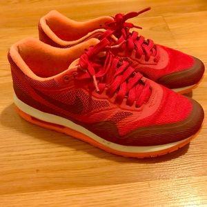 Women's pink Nike Airmax size 7