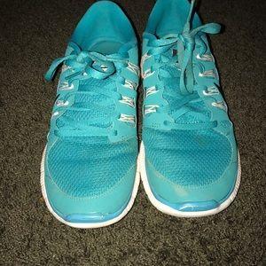 Nike free sneakers • turquoise • 8.5