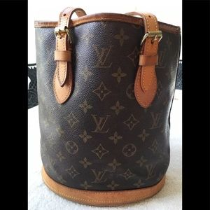 More pictures coming 💯% Authentic lv bucket bag