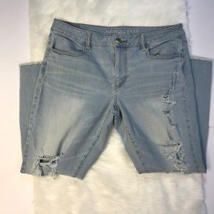 American Eagle Destroyed Cropped Super Stretch