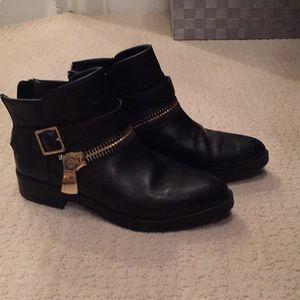 Zara booties 38 8 7.5 black leather boots zipper