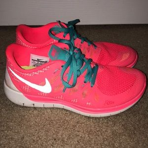 Nike Free Shoes 7.5
