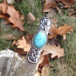 SILVER & TURQUOISE STONE RING