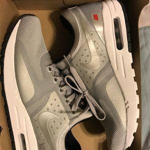 Nike Air MaX Zero QS GS Size 7