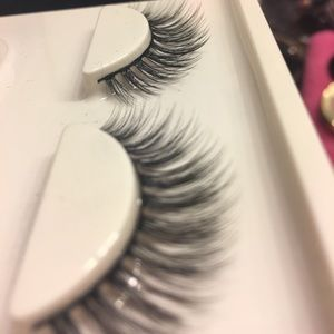 3 Sets of Lashes ... 3D