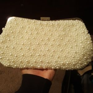 JUST IN Pearl Clutch