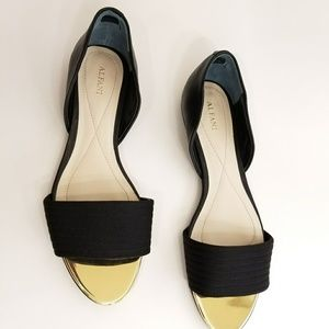 NWOT Blk & Gold Alfani Open toe flats sz 8.5