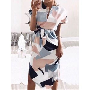 Dresses & Skirts - 'Skylar' Geometric Print Midi Dress