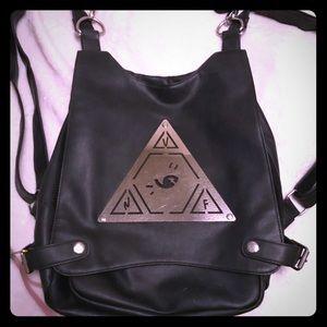UNIF FullSize Pyramid Bag