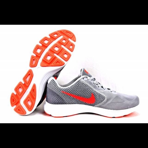 e2ce23961ea Nike Revolution 3 Women s Running Shoes. M 5a150e4c36d59464ed01b369