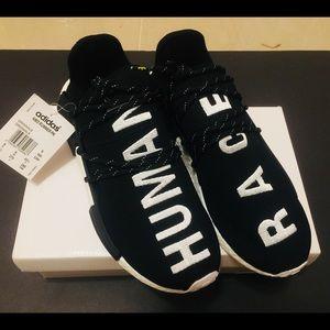 💥Adidas human race sneakers NMD💥