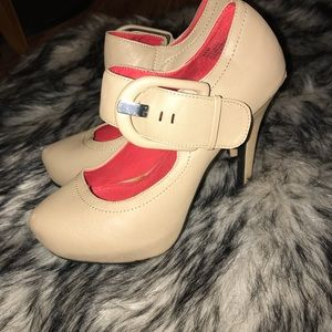 Heels with thick strap/buckle