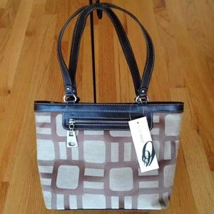 Cute Nine West purse / handbag