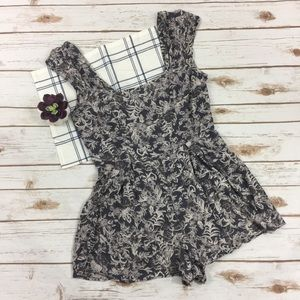 [Kimchi Blue] Urban Outfitters Romper Size 8