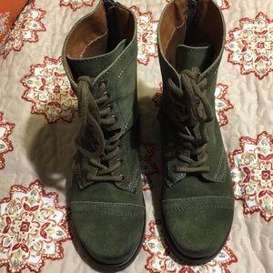 Green Steve Madden boots size 6