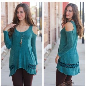 Teal waffle knit cold shoulder tunic