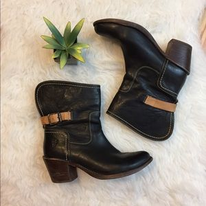 Frye Carmen 8L Shortie Boots