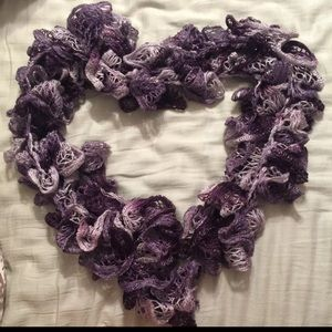 Handmade Purple Ruffled Scarf ❤️🍂