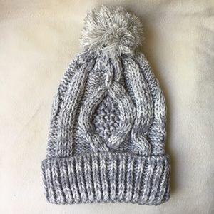 New two tone knit Pom Pom beanie white and gray