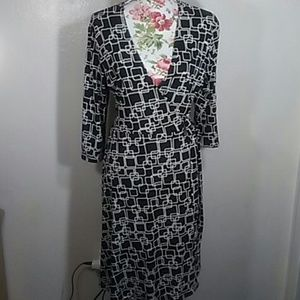 Wrap dress with 3/4 sleeves Apt. 9 size L p