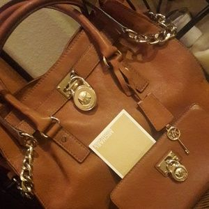 Michael Kors big bag with a matching wallet
