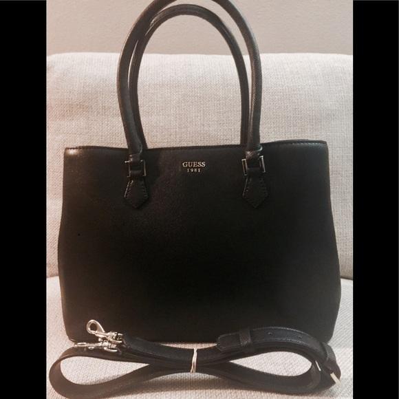71bd5fe8f1ce Guess Handbags -