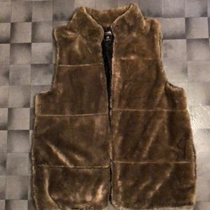 Kenzie faux vest with pockets NWT