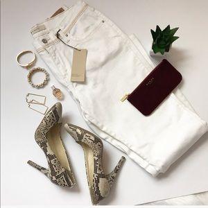 🔸Levi White Jeans 🔸