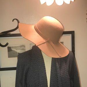 🛍Diva flappy Hat