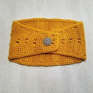 NWOT Crochet Headband