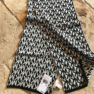 Michael Kors winter scarf  NWT