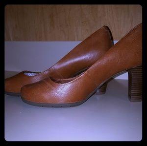 Woman's Comfort Chunky Heels