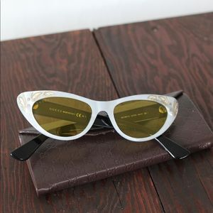 GUCCI Cat Eye Acetate Sunglasses!
